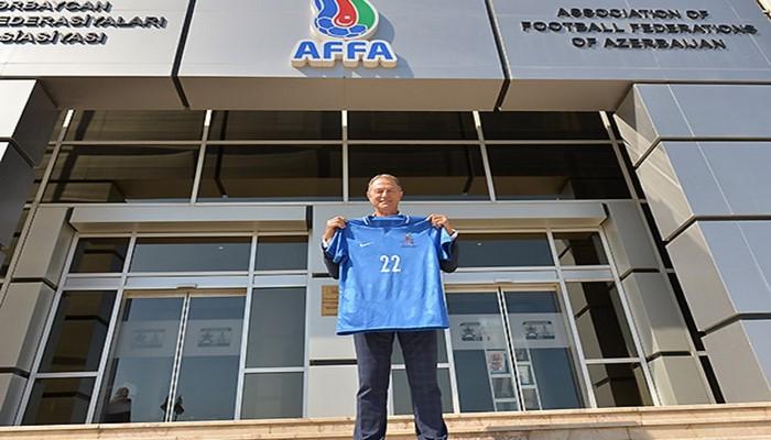 Исполнительный вице-президент АФФА встретился с главным тренером сборной