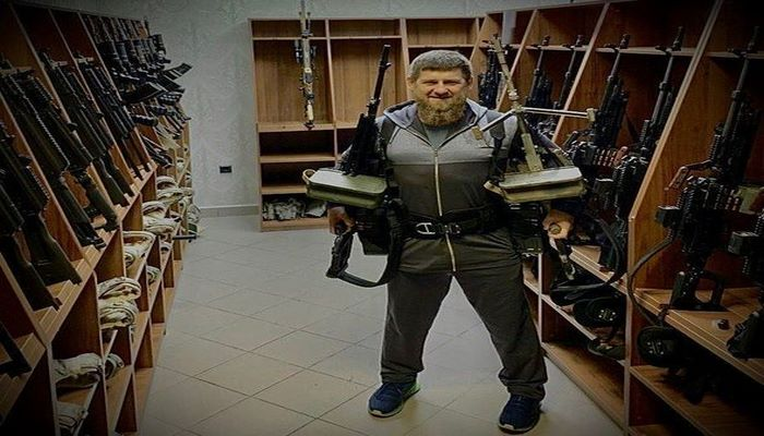 Kadırov ABŞ-ın yeni sanksiyalarına pulemyotlarla cavab verdi