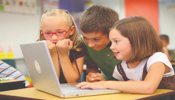 Как на ребенка влияет смена школ