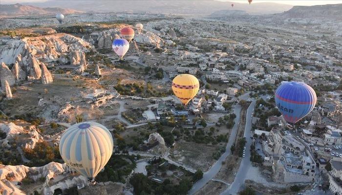 Kapadokya'daki balonlar pandemi kurallarına uygun havalanıyor