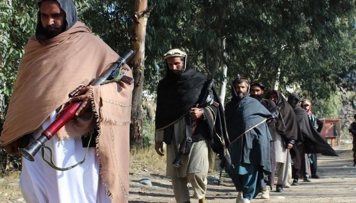 """KİV: """"Taliban"""" Kabildə komendant saatı tətbiq edib"""