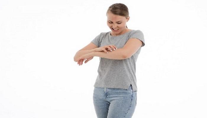 Крапивница у взрослых и детей: причины, симптомы и лечение