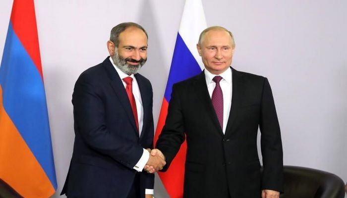 Kremldə Putinlə Paşinyan arasında görüş keçirilir