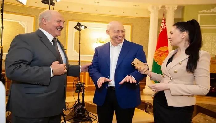 """Lukaşenko: """"Məni koronavirusa qəsdən yoluxdurublar"""""""