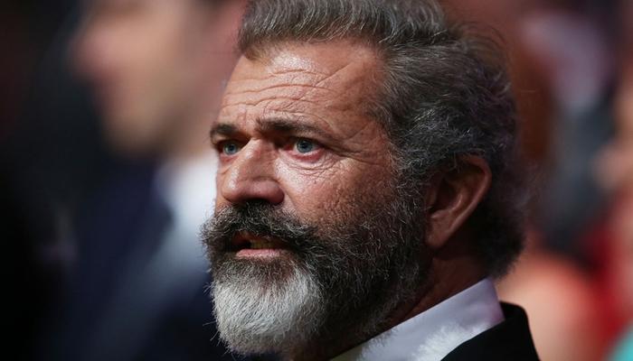 Mel Gibson koronavirusa yoluxduğunu gizlədib