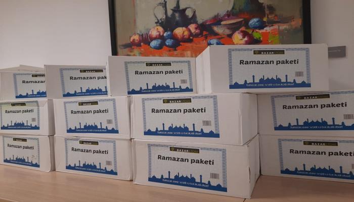 Mərkəzi Elmi Kitabxana ramazan ayı münasibəti ilə əməkdaşlarına sovqat təqdim edib