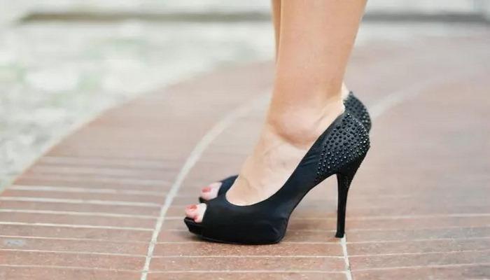 Mesaide topuklu ayakkabı kazasıyla ilgili emsal olacak karar