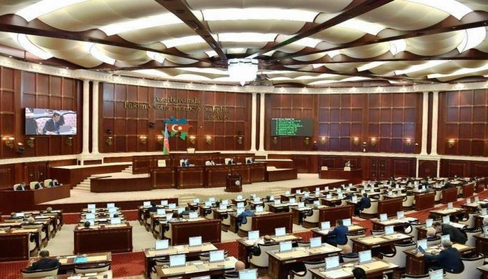 Милли Меджлис принял изменения в госбюджет-2020