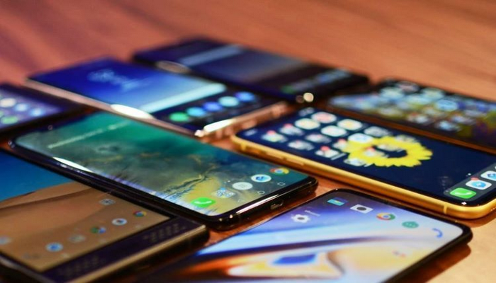 Mobil telefonlar gömrükdə yazılı formada bəyan ediləcək