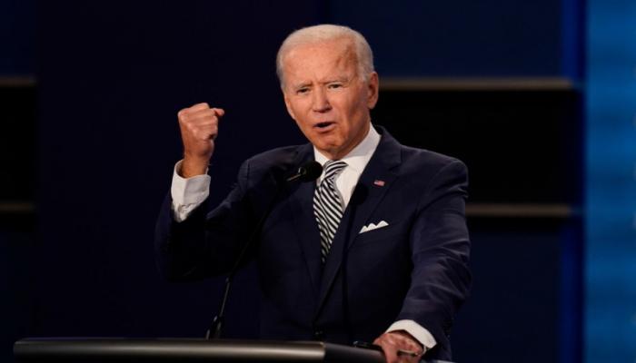 """ABŞ-da prezident debatları: """"Səsini kəs, Putinin küçüyü"""""""