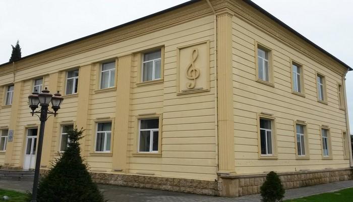 Музыкальная школа названа в честь композитора Октая Кязыми