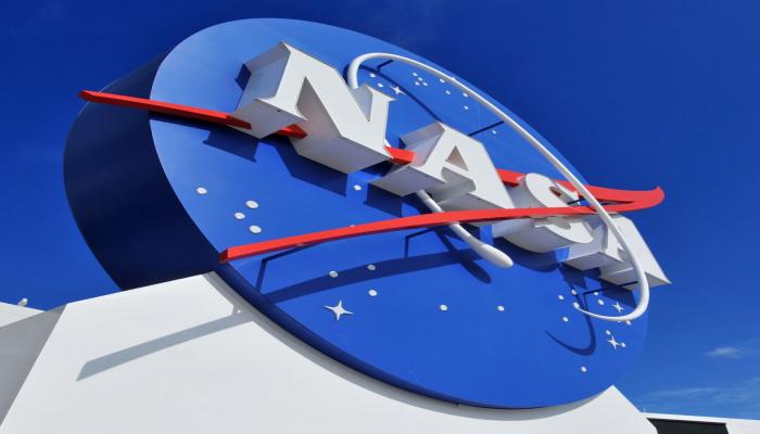 Директор NASA заявил, что женщина-астронавт вскоре может ступить на поверхность Луны