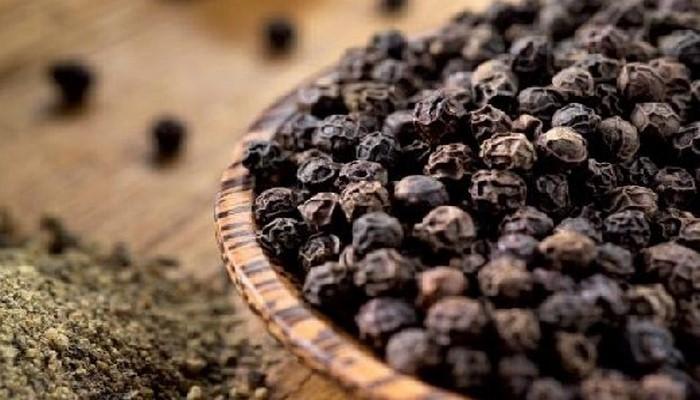 Названы целебные свойства черного перца