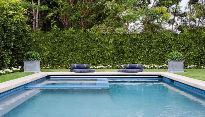 Оштрафованы отдыхающие в бассейне