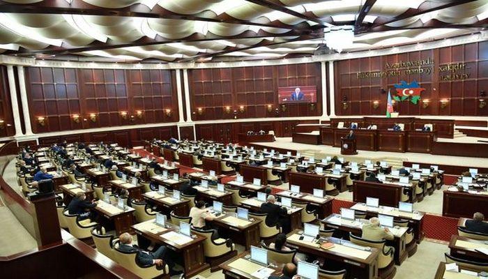 """Parlamentin """"payızı"""" – """"Uşaqpulu"""" bərpa oluna bilər, MSK-nın yenidən formalaşdırılması gözlənilir"""