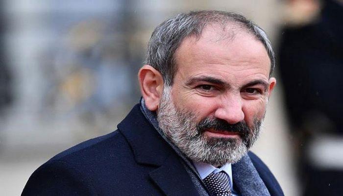 Paşinyan Baş Qərargah rəisinin istefası üçün prezidentə yenidən müraciət edib