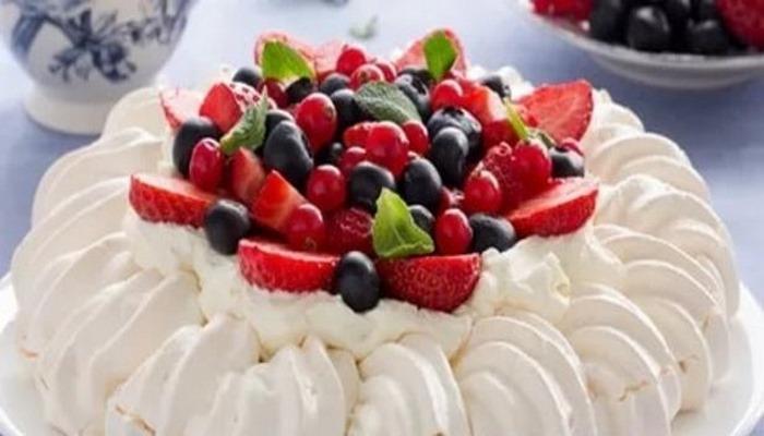 Pavlova tatlısı nasıl yapılır? Pratik ve lezzetli Masterchef Pavlova tarifi!