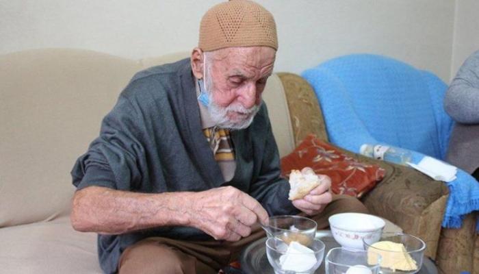 96 yaşlı kişi koronavirusdan necə sağaldı? - Süd, bal, doşab...