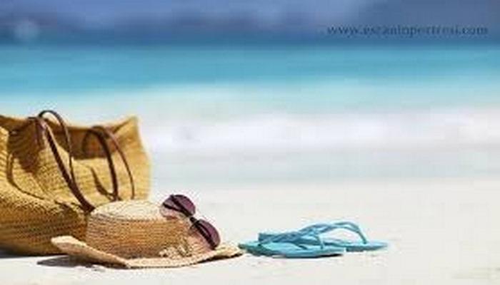 Plaj Çantasında Neler Olmalı? Plaj Çantası İçinde Mutlaka Olması Gereken 11 Eşya