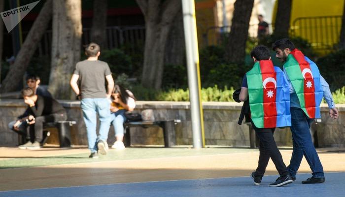 Победоносный триколор: флаги Азербайджана на улицах столицы