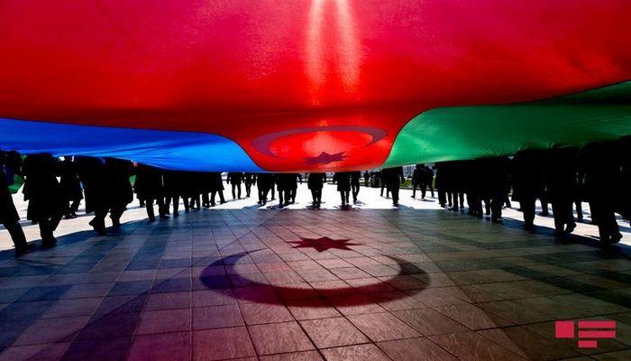 Политические партии Азербайджана приняли заявление о национальной солидарности в связи с последними провокациями Армении