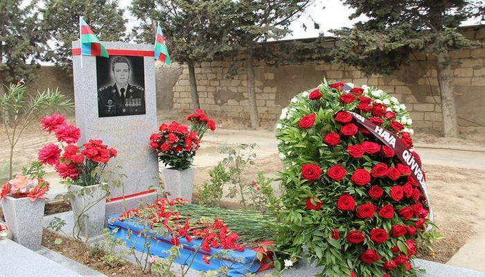 Polkovnik-leytenant Rəşad Atakişiyevin məzarı ziyarət edildi