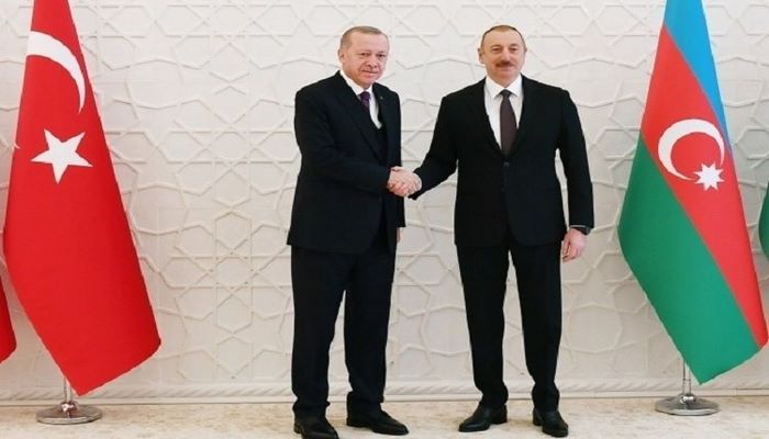 Президент Азербайджана позвонил турецкому коллеге