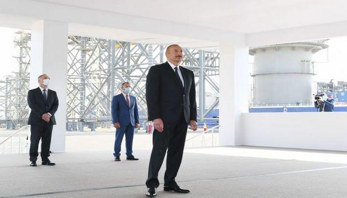 """Prezident: """"Bu gün ölkə iqtisadiyyatının əsas hissəsi neft-qaz sektoru ilə bağlıdır və uzun illər belə olacaq"""""""