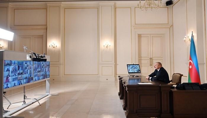 Prezident Cənub Qaz Dəhlizi Məşvərət Şurası çərçivəsində nazirlərin iclasında çıxış edib