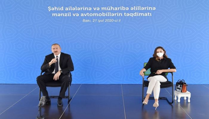 Президент Ильхам Алиев: Как мы солидарны со всеми мусульманскими странами, такого же отношения мы ждем от них