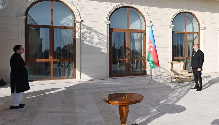 Президент Ильхам Алиев принял верительные грамоты новоназначенного посла Пакистана