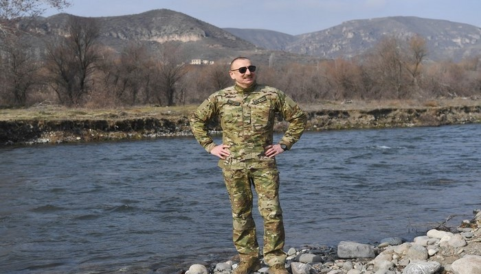 """Prezident: """"İrəlidə bizi nəhəng quruculuq işləri gözləyir"""""""