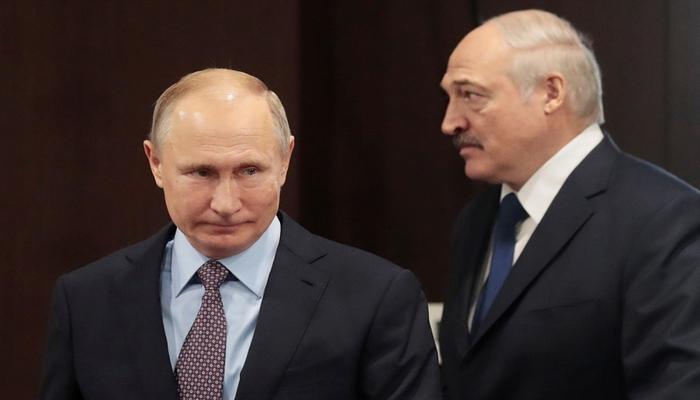Putin Lukaşenkonu TƏBRİK ETDİ