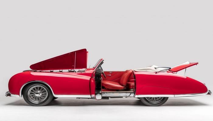 Раритетный кабриолет Элтона Джона продадут на аукционе