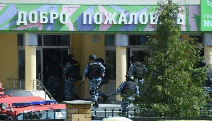 Rusiyada məktəbə hücum edənlərdən biri öldürülüb