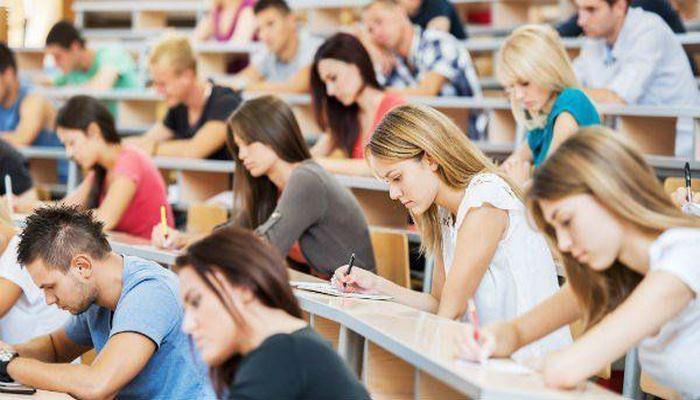 С 1 октября первокурсники в Азербайджане могут провести ознакомительные сессии в вузах - Минобразования