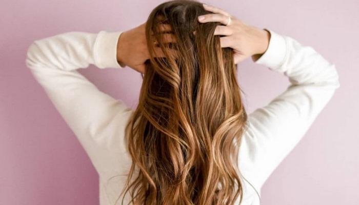 Saç dökülmesi için uzmana gitmek gerekiyor mu evde test edin!