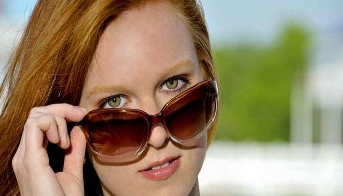 Sağlıklı göz çevresi için koruyucu ve güneş gözlüğü kullanın