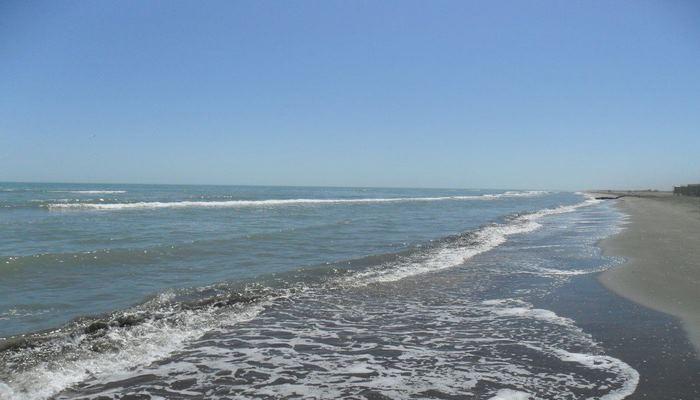 Сбрасываемые в Каспийское море сточные воды можно использовать вновь - эколог