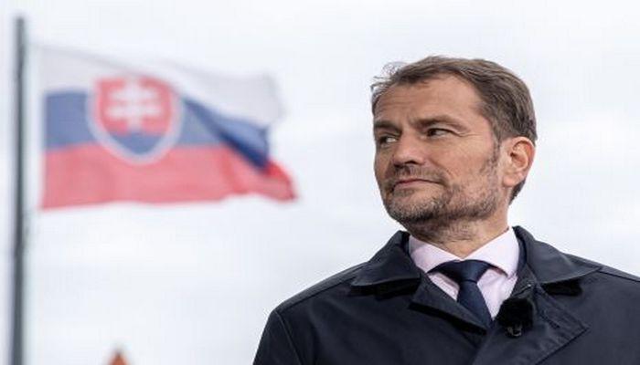 Slovakiya rusiyalı diplomatları ölkədən çıxarıb