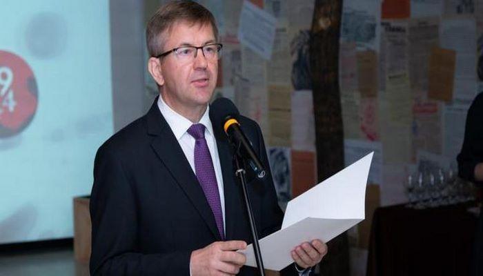 СМИ: Посол Беларуси в Словакии подал заявление об отставке