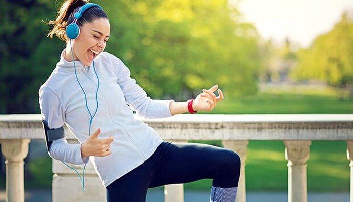 Spor Yaparken Müzik Dinlemek Performansı Nasıl Etkiliyor?
