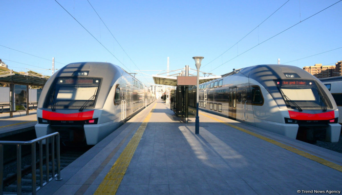 В связи с комендантским часом изменен график движения электропоездов  Баку-Сумгайыт