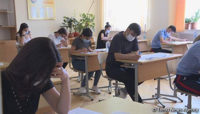 ГЭЦ Азербайджана о деталях выбора языка обучения абитуриентами