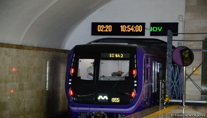 На линии бакинского метро пущены еще два  поезда