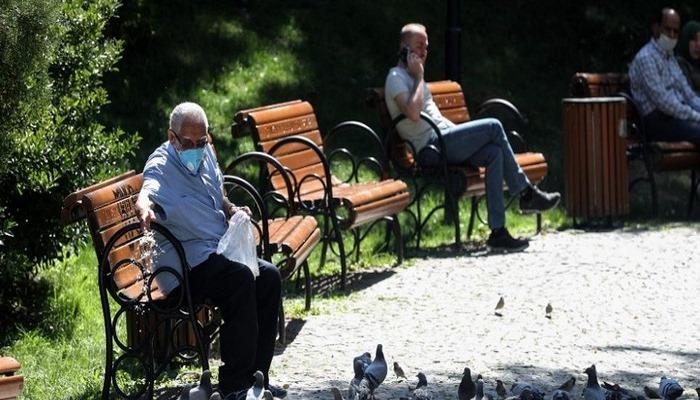 Türkiye'de Kovid-19 kaynaklı can kaybı 7 bini aştı