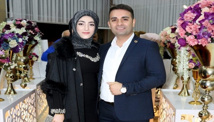 Türkiyədən olan müəllim cütlük Azərbaycana dəstək üçün nişan üzüyünü göndərdi