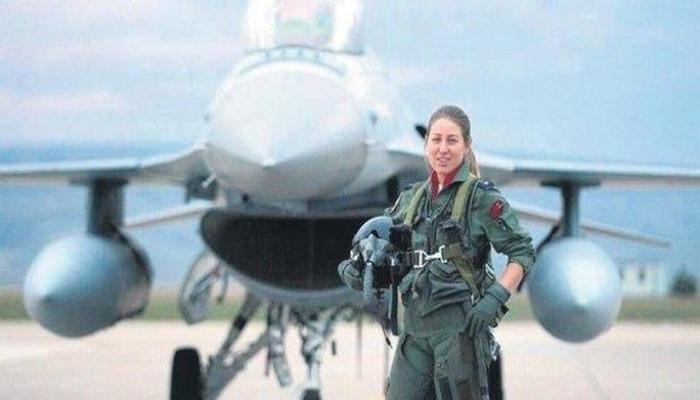 Türkiye'nin ilk kadın F-16 pilotu Berna Şen albay oldu