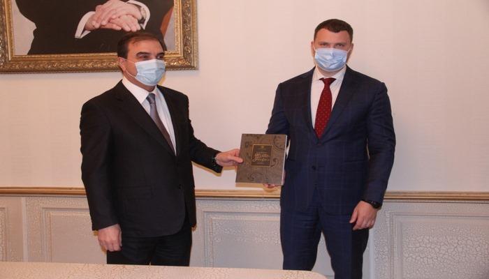 Ukraynanın İnfrastkruktur naziri Vladislav Krikliy Gəncəyə səfər edib