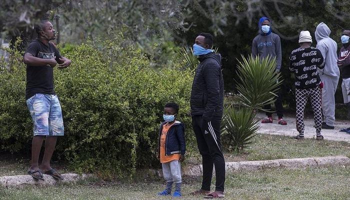 Uzmanlara göre, mülteciler ve sığınmacılar pandemide artan ayrımcılıkla karşı karşıya